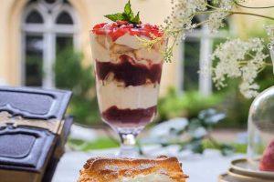 Schnelles Erdbeer-Schichtdessert