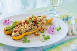 Zucchini mit Tomaten-Bärlauch Bulgur mit Zwergenwiese Streich