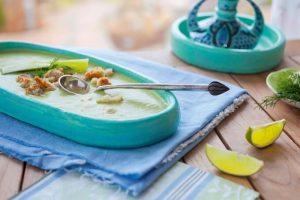 Erfrischende Gurken-Dill Suppe mit Zwergenwiese Gurke-Dill Streich